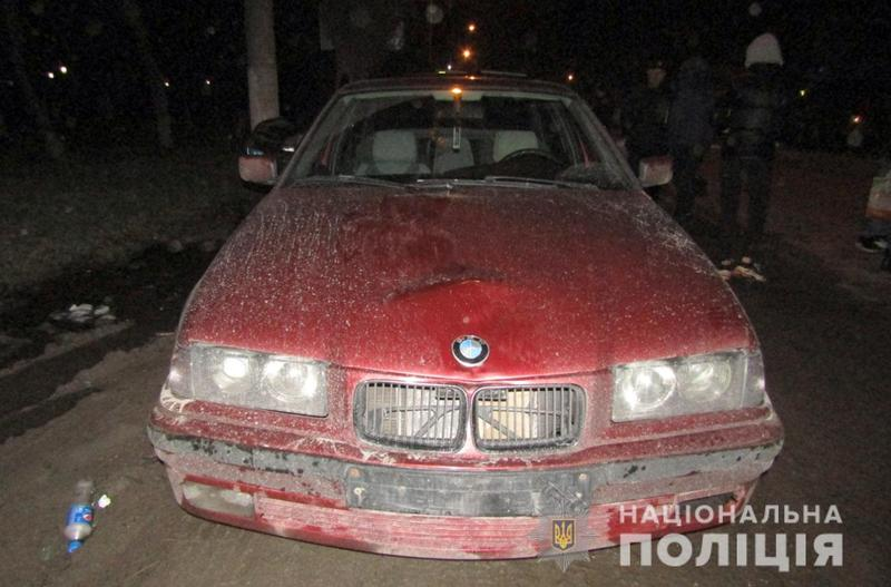 У Кам'янці-Подільському поліцейські з'ясовують обставини ДТП, в якій травмувалося двоє молодих людей