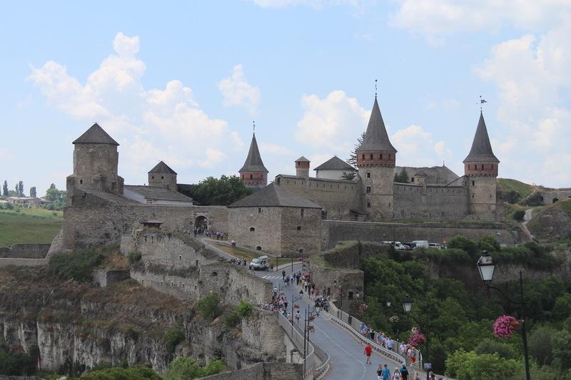 Замковий міст щомісяця збирає щонайменше 200 тисяч гривень за проїзд