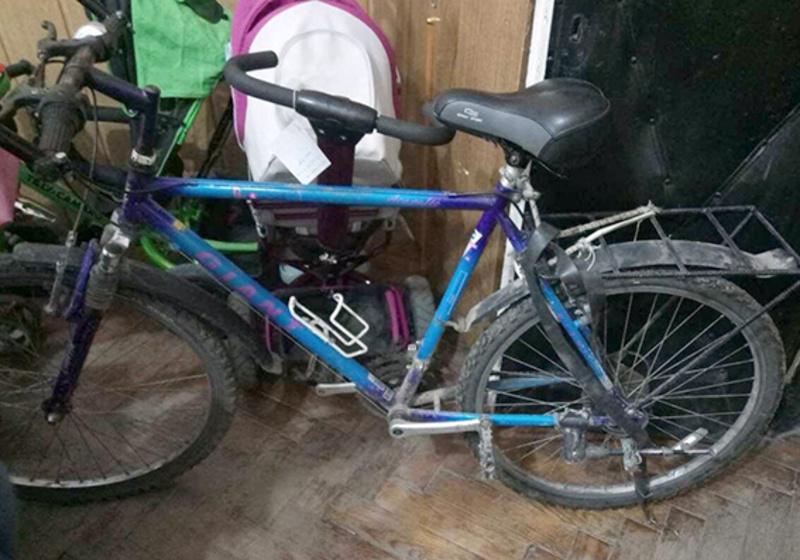 Жінка крала дитячі візки та велосипеди