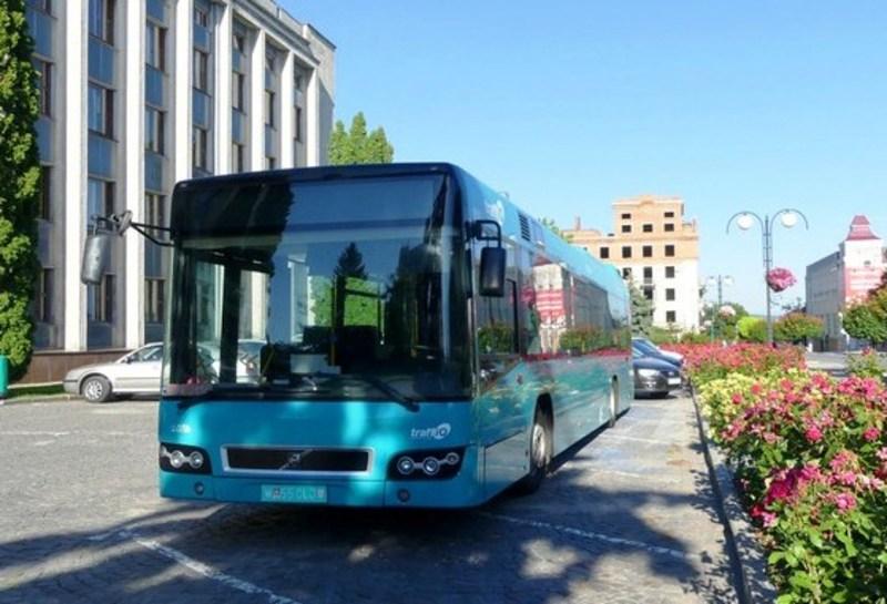 Незабаром на міські маршрути виїдуть додаткові два великі автобуси
