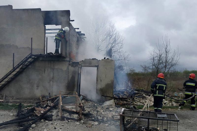 Вогнеборці ліквідували пожежу в магазині та врятували від вогню поштове відділення