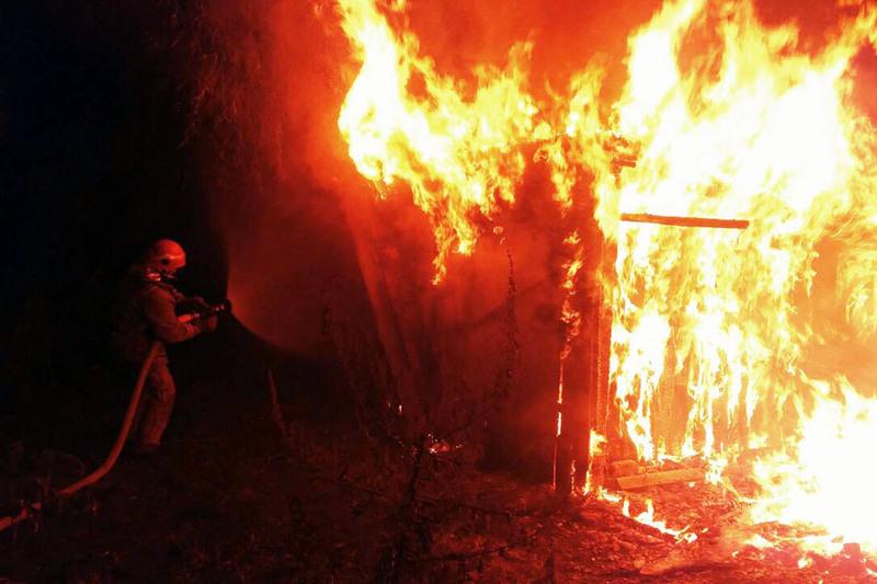 Вогонь знищив речі домашнього вжитку й пошкодив балки