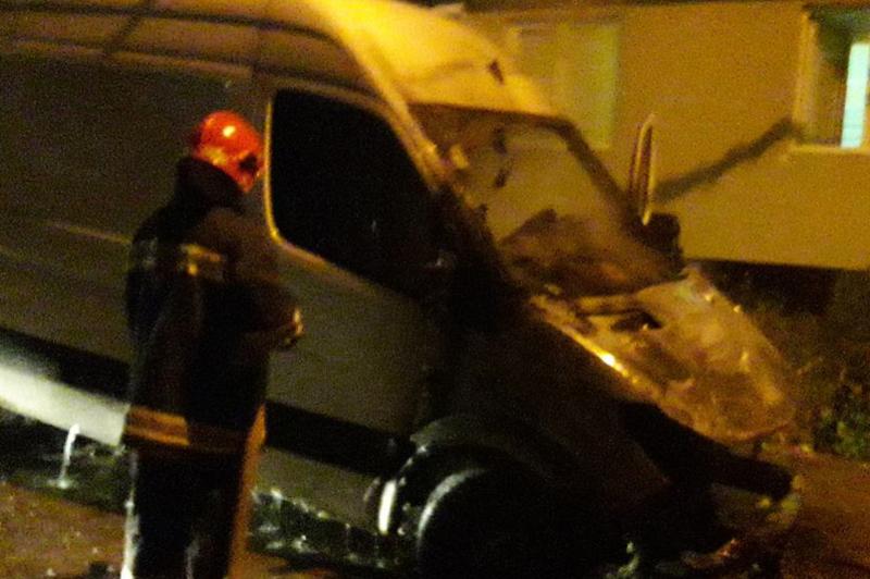 Вночі рятувальники ліквідували пожежу автомобіля
