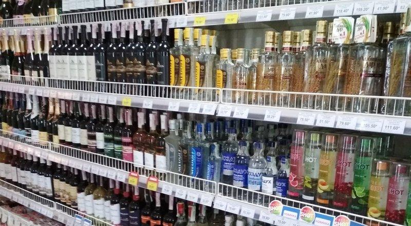 У Красилівській ОТГ заборонили «нічний» алкоголь. Фото: з архіву
