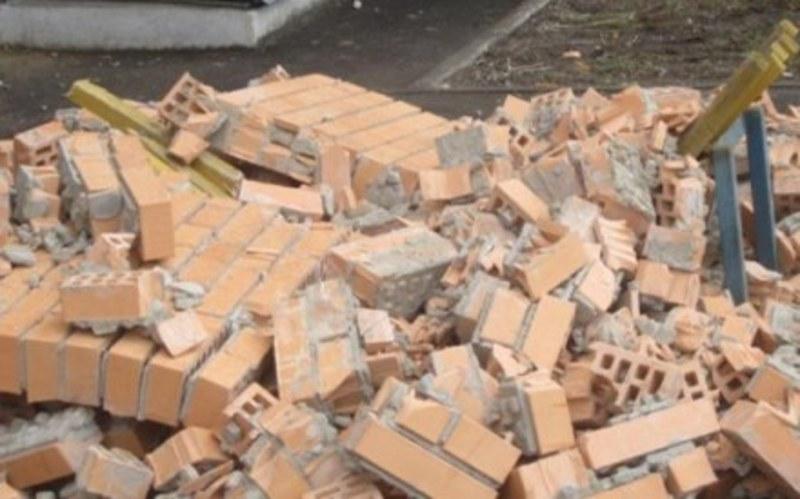 Через обвал стіни загинув чоловік