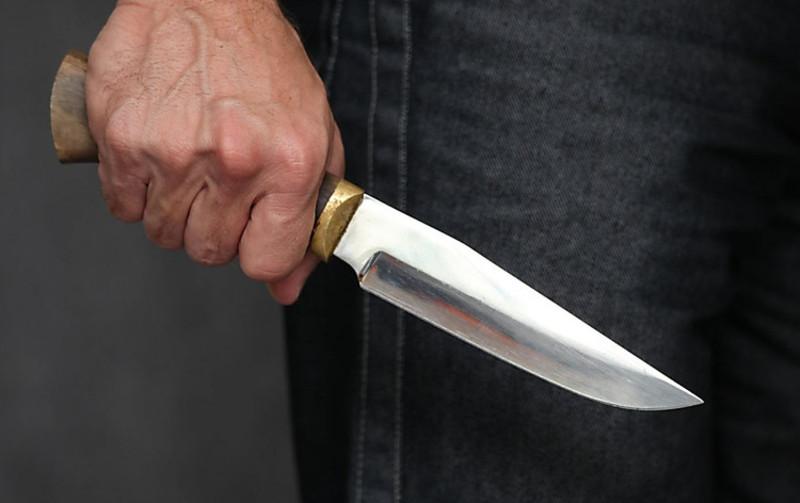 Син убив батька кухонним ножем