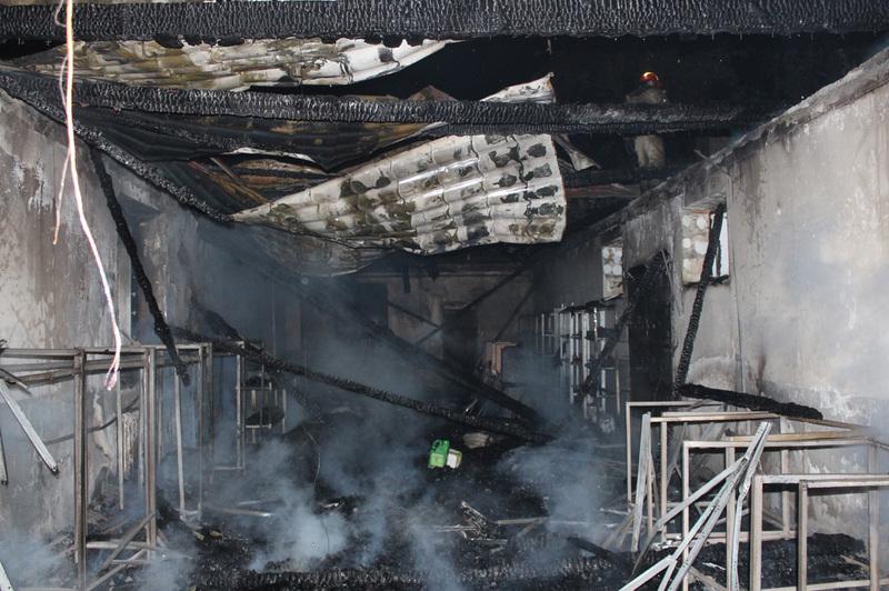 В приміщенні магазину виникла пожежа.