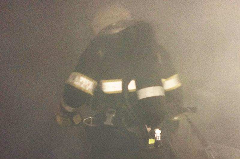 Вогнеборці під час пожежі врятували 53-річного чоловіка