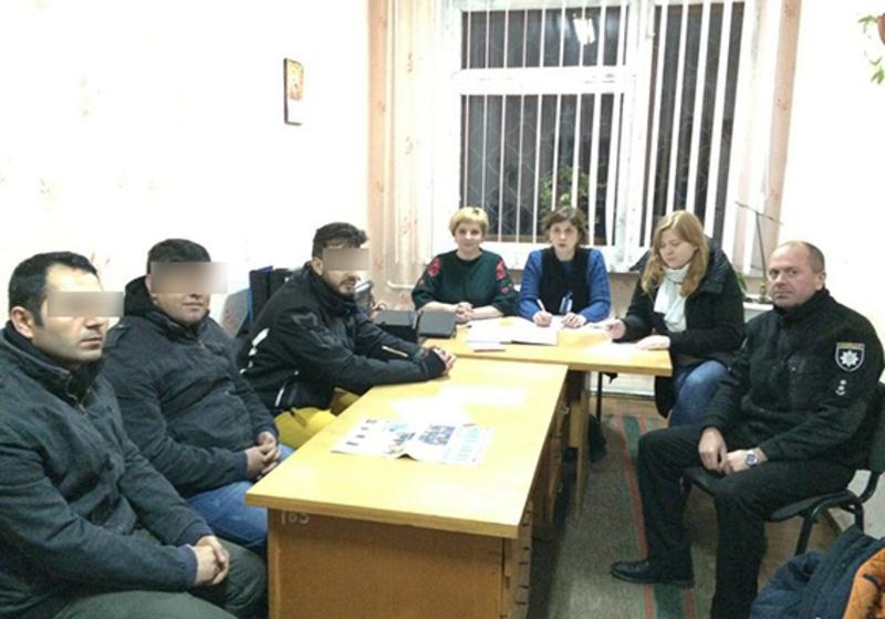 Порушники перетнули державний кордон поза офіційними пунктами пропуску