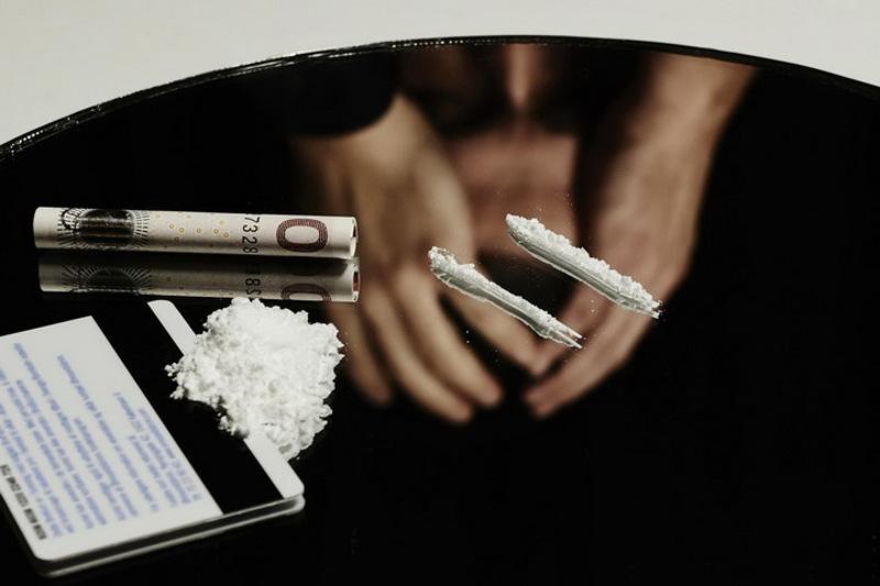 Мешканцю Нетішина за торгівлю наркотиками загрожує до 8 років позбавлення волі