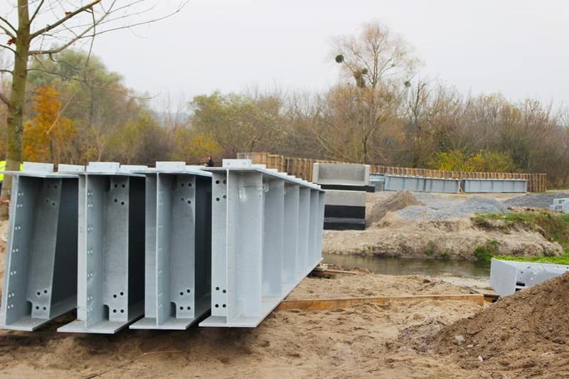 Як зазначають в міськраді, будівництво мосту фінансується з міського бюджету