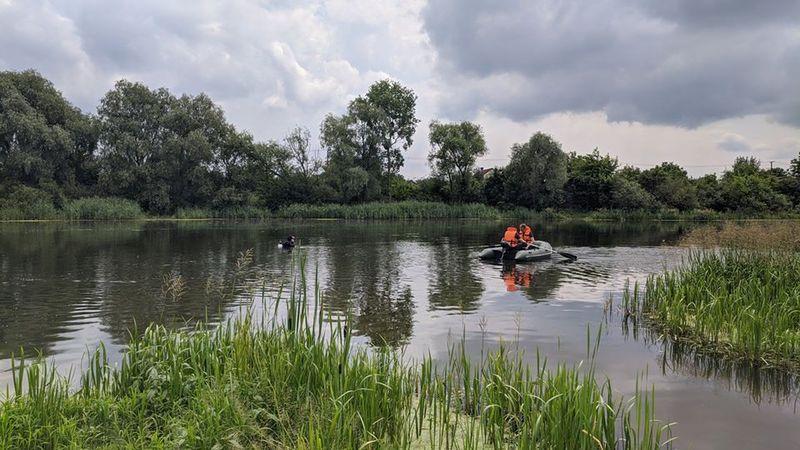 З річки витягли тіла двох людей