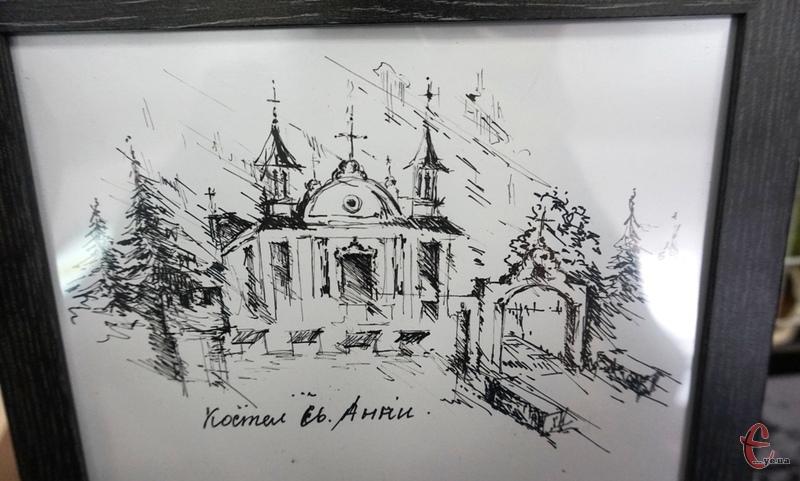 Костел Святої Анни у Полонному - це одна із найпопулярніших пам'яток не лише Полонного, але й області