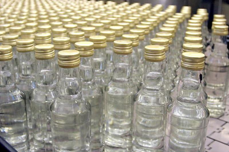 ІНШЕ  У Полонному засудили підприємця, що незаконно торгував алкоголем
