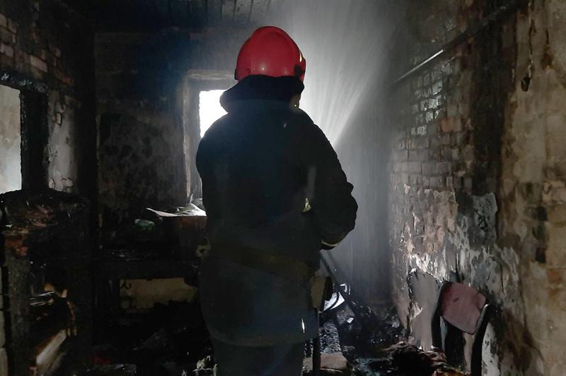 Під час пожежі рятувальники виявили непритомну дитину