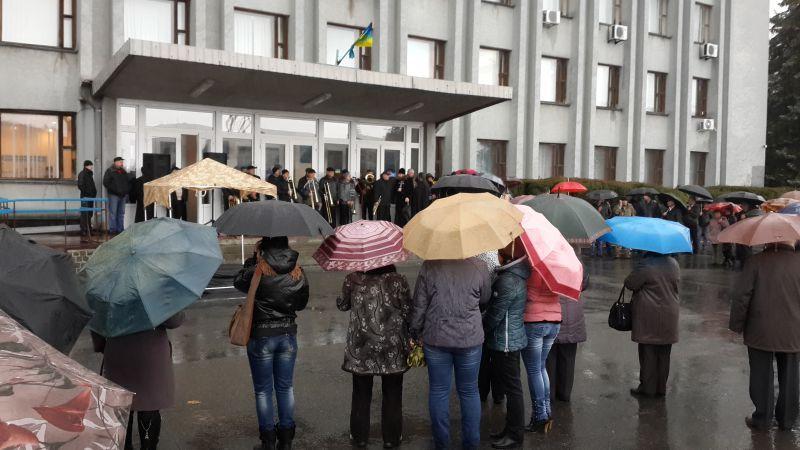 Сьогодні Шепетівщина прощається із загиблим бійцем АТО