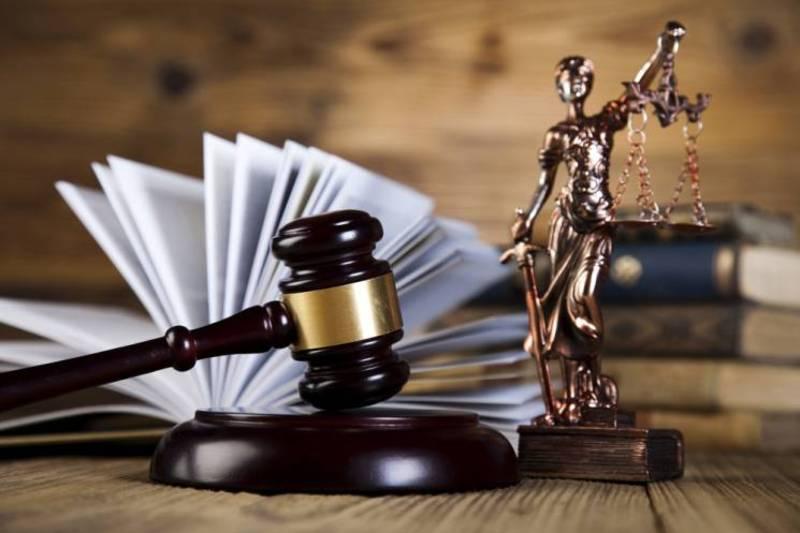 Обвинувачений у грабежі і незаконному позбавленні волі постане перед шепетівською Фемідою
