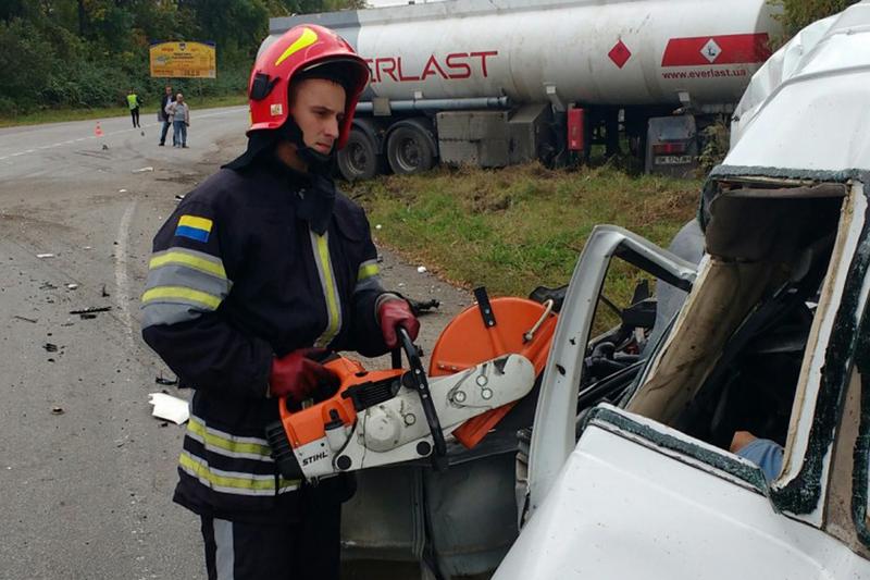 Рятувальники ліквідували наслідки ДТП