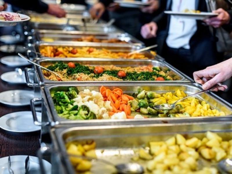 На забезпечення безкоштовного харчування депутати передбачили 4 мільйони 600 тисяч гривень.