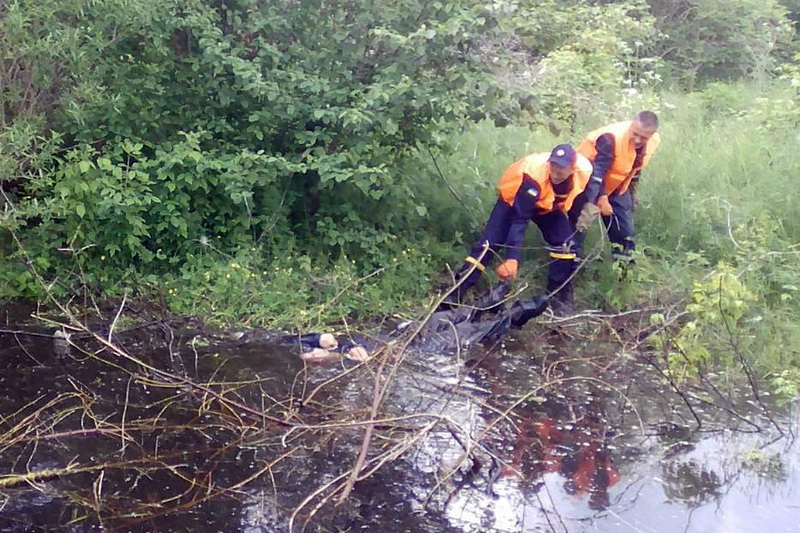 Рятувальники дістали з водойми тіло загиблого чоловіка