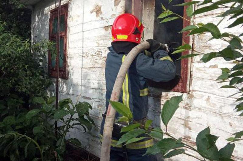 Вогнеборці врятували житловий будинок від вогню