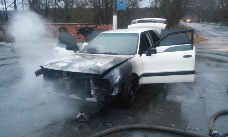 Вогонь пошкодив салон авто