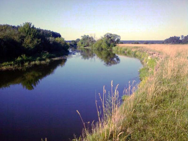 Кажуть, робота станції припинятиметься при зниженні рівня води в Горині, щоб не забирати її у річки