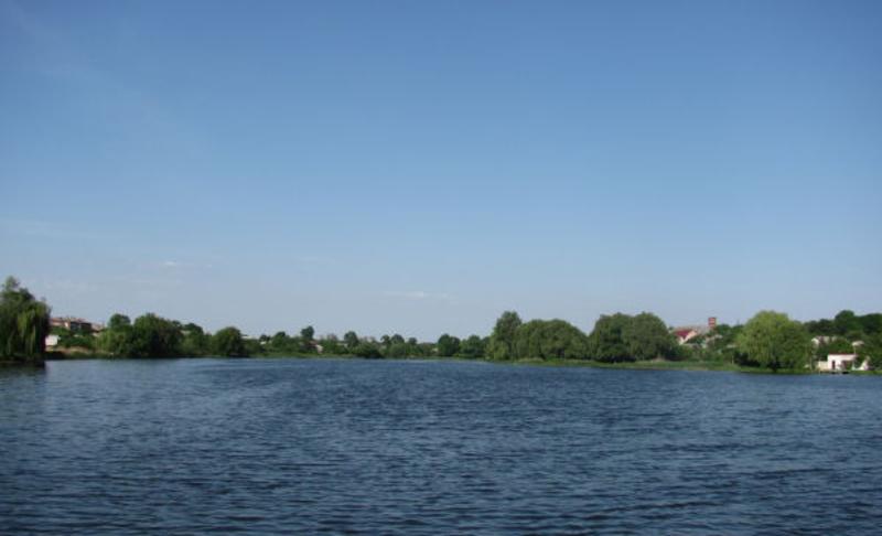 Що стало причиною загибелі на воді молодої людини в Славуті - невідомо
