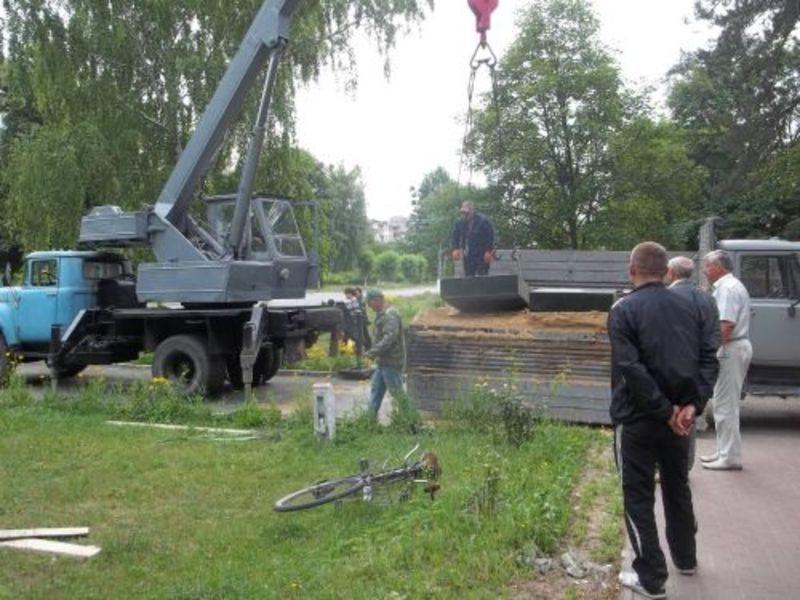 Пам'ятник привезли з Новоград-Волинського
