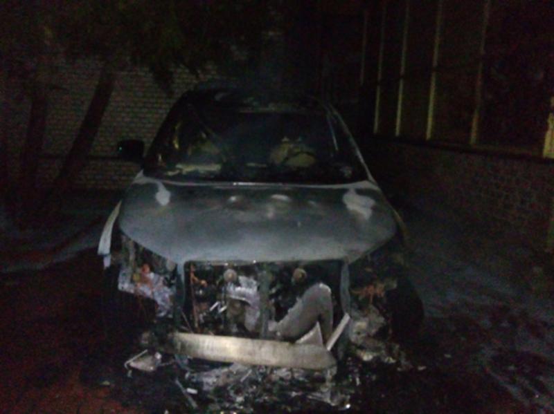 Вогонь знищив моторний відсік, оздоблення салону і колеса