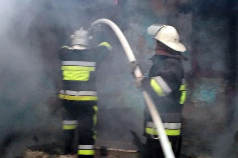 Надзвичайники ліквідували пожежу приватної лазні