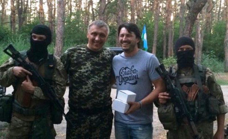 Цього ж дня у Старобільську збірна команда військовослужбовців зіграла футбольний матч з ветеранами київського