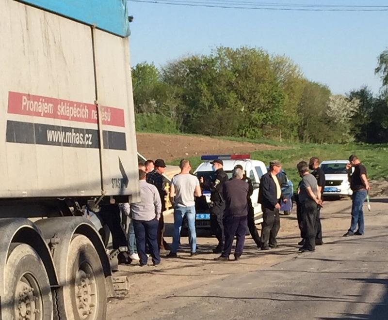 Чергову партію львівського сміття активісти заблокували 10 травня