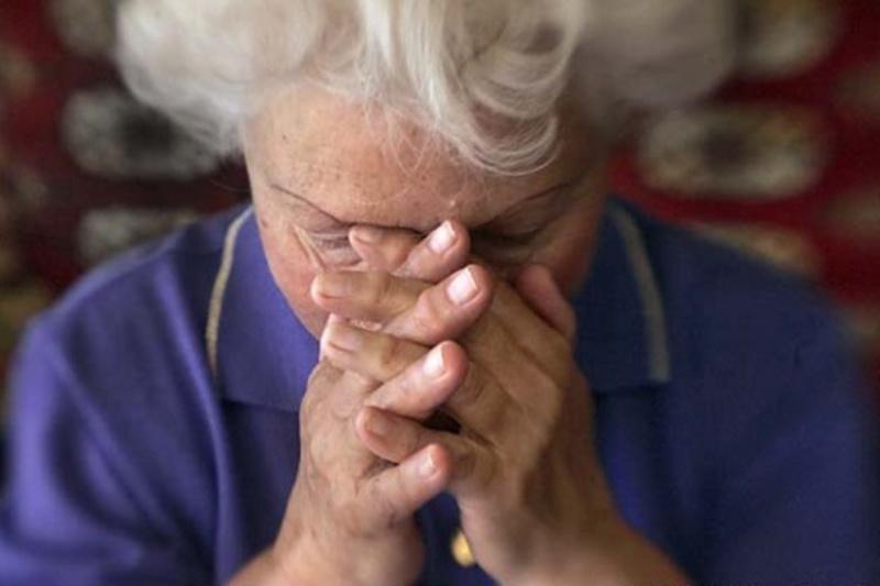 Грабіжники увійшли у помешкання пенсіонерки, представившись волонтерами.
