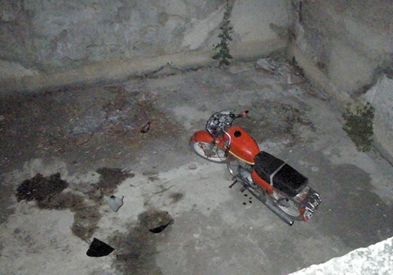 Молодий чоловік не помітив 2-метровий бетонний котлован