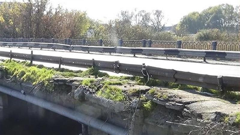Старокостянтинівський міст через річку Случ закривають на ремонт