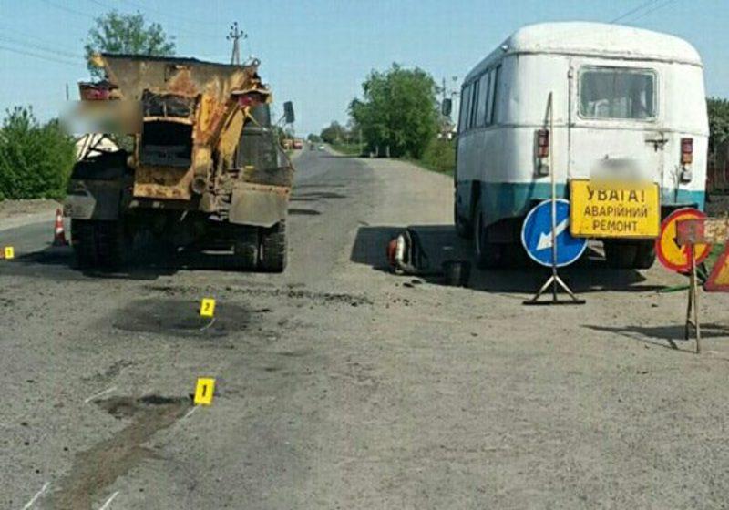 На Хмельниччині під час ремонту дороги загинув 56-річний працівник