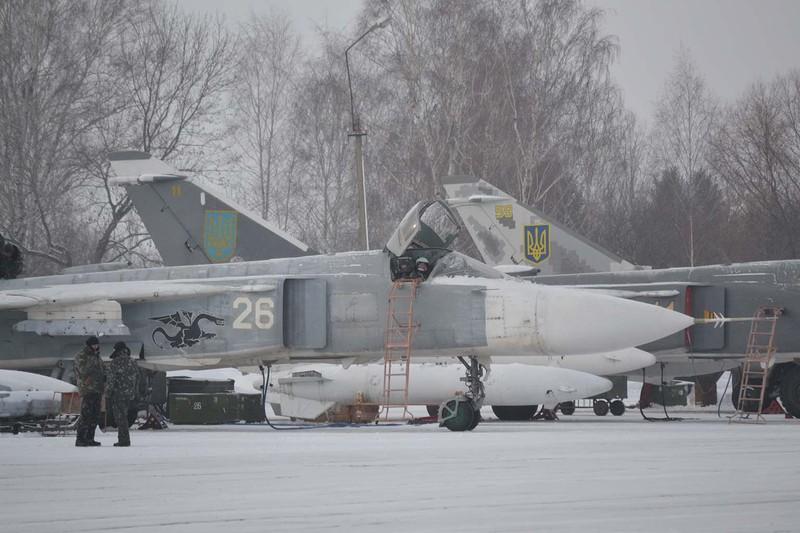 На Хмельниччині відбулись перші в новому навчальному році польоти екіпажів бомбардувальної авіації