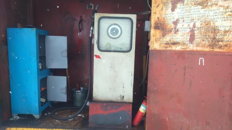10 тонн палива вилучили правоохоронці з нелегальної автозаправної станції