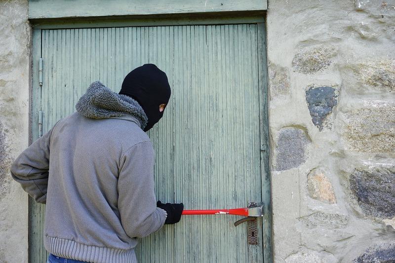 43-річний зловмисник причетний до серії крадіжок по всій Хмельниччині