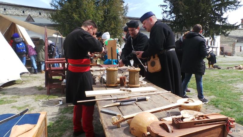 На території фортеці розклали виставку