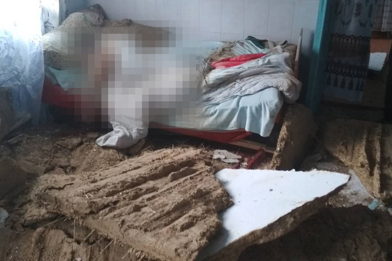 Внаслідок обвалу стелі житлового будинку загинула людина