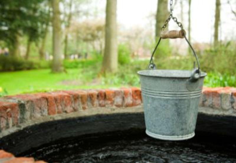 Тіло знайшли в криниці, де селяни беруть воду