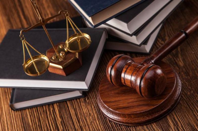Обвинуваченого звільнили від відбування покарання з випробуванням на три іспитових роки