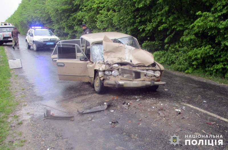 Аварія сталася на автодорозі між селами Охрімівці та Яснозіря Віньковецького району