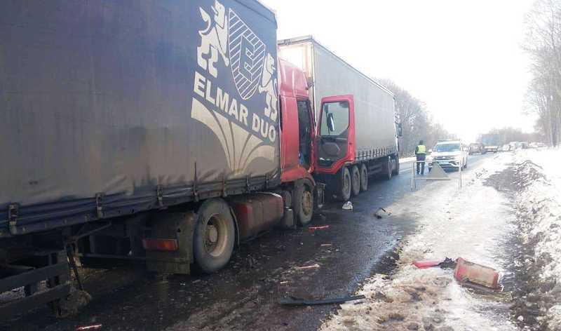 Аварія сталася на трасі М12, неподалік селища Війтівці