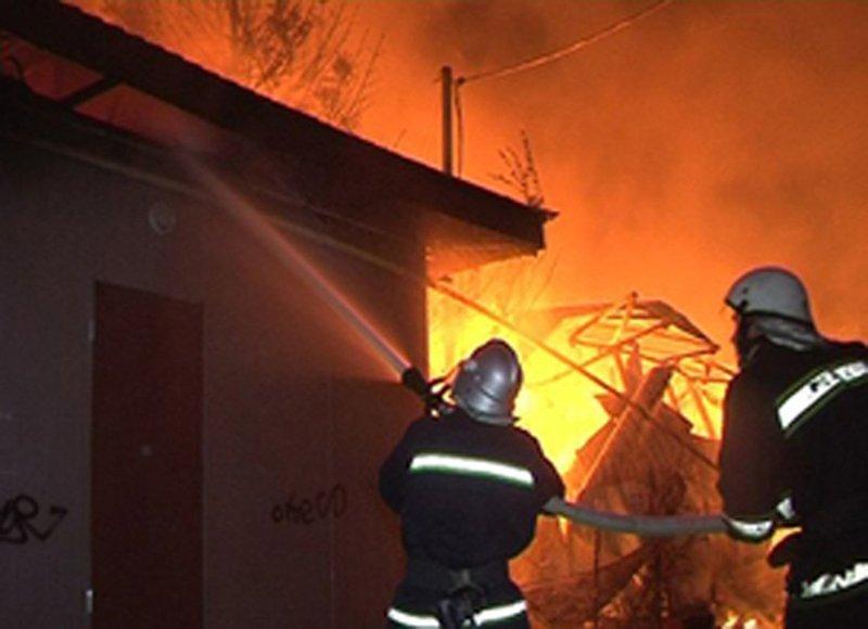 Через коротке замикання у Волочиському та Старокостянтинівському районах горіли будинки