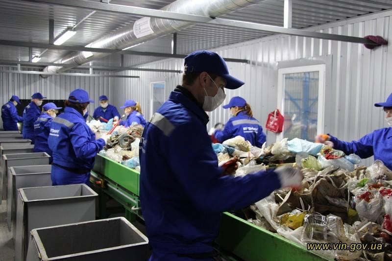 Схожий сміттєсортувальний комплекс «Барський машинобудівний завод» збудував в Іллінецькій ОТГ Вінницької області