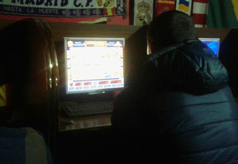 Правоохоронці вилучили 12 системних блоків з програмним забезпеченням для здійснення азартних ігор