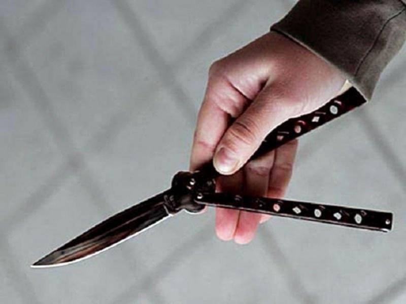 Скоїли злочин двоє невідомих предметом, схожим на ніж